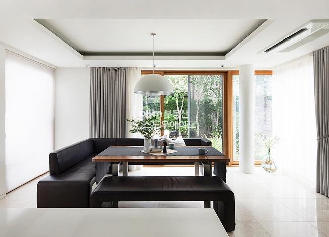 톤정리와 비움, 미니멀리즘 전원주택 대표사진