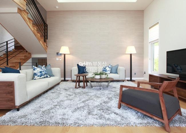감성적&모던 스타일이 돋보이는 주택 대표사진