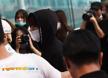 [포토엔]방탄소년단 정국 '팬들 사이로 빠져나간다'