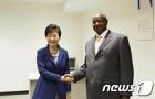 """우간다 대통령 """"북한과 안보·군사·경찰 협력 중단""""(종합)"""