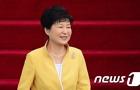 朴대통령 지지율, 우병우 논란에도 상승..35.4%