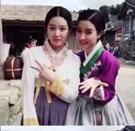 남장 벗은 이유비, 김소은과 다정샷 '깜찍 브이'