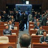 더민주 '김종인 체제' 4개월만 더 유지