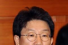 '늘리자 vs 줄이자' 탄핵심판 증인놓고 국회-대통령 '수싸움'