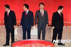 친박 이인제·김진태, 홍준표 '융단폭격' 洪 애써 웃음