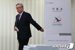 """인명진 """"보수단일화? 후보 중심으로 당론 정해질 것"""""""
