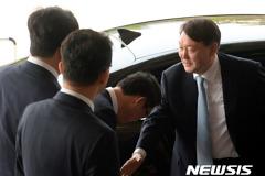 검찰 줄사퇴 '일단 멈춤' 장관·총장 인선 '관망'