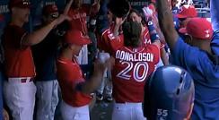 팬들도 경의를 표하게 만든 도날드슨의 3번의 홈런