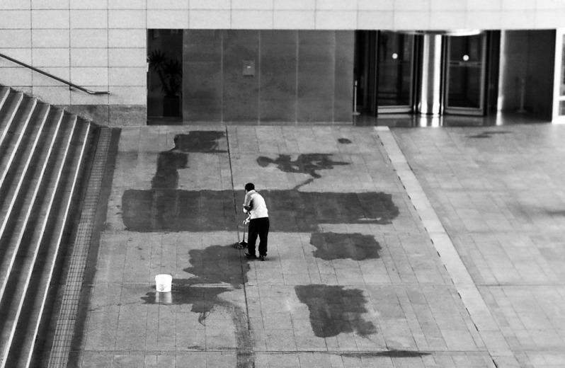 [렌즈세상] 대한민국 청소의 품격 / 배진일