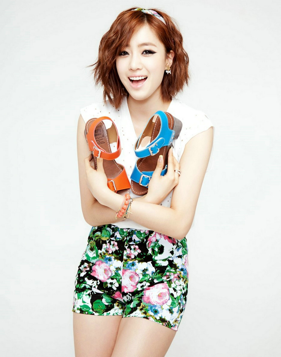 Qri Tara Profile Photos Fact Bio and More  Biotist