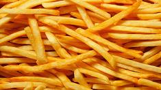 패스트푸드점처럼 감자튀김 바삭하게 튀기려면?