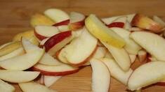 사과는 오래 놔두면 왜 색깔이 변하나요?