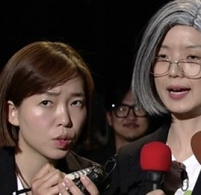 'SNL9' 강경화 후보자 패러디 노룩 귀국 인터뷰