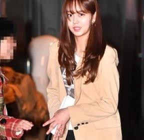 김소현, 팬 기습 선물에 깜짝