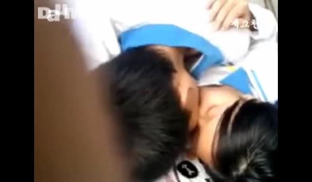 중중국중학생들의 흔한 키스