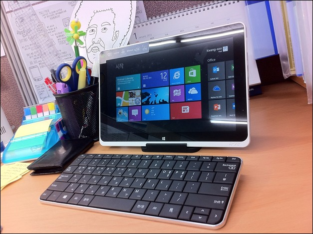Acer Iconia Tab W510 + Wedge Mobile Keyboard