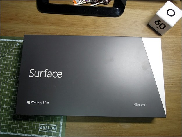 2013-03-07 Surface_Pro_Boxshot 057 (Copy)