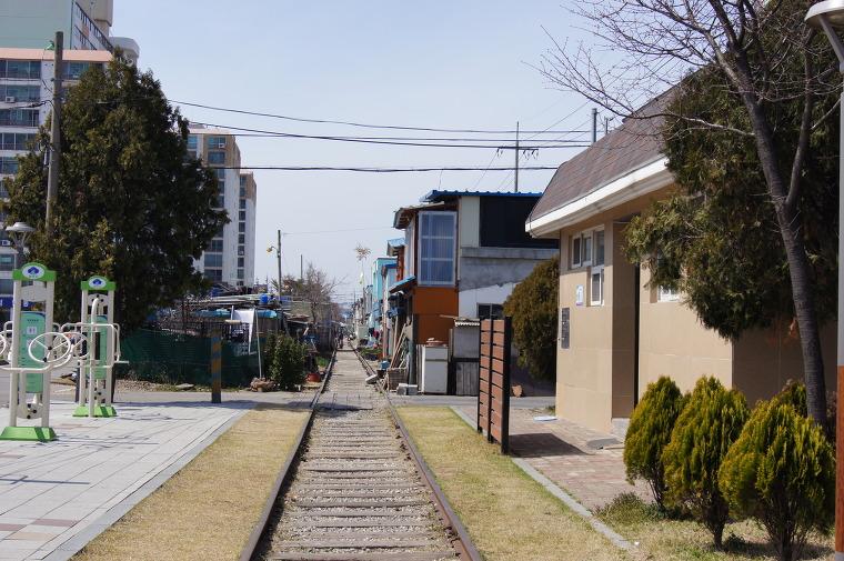 경암동 철길마을