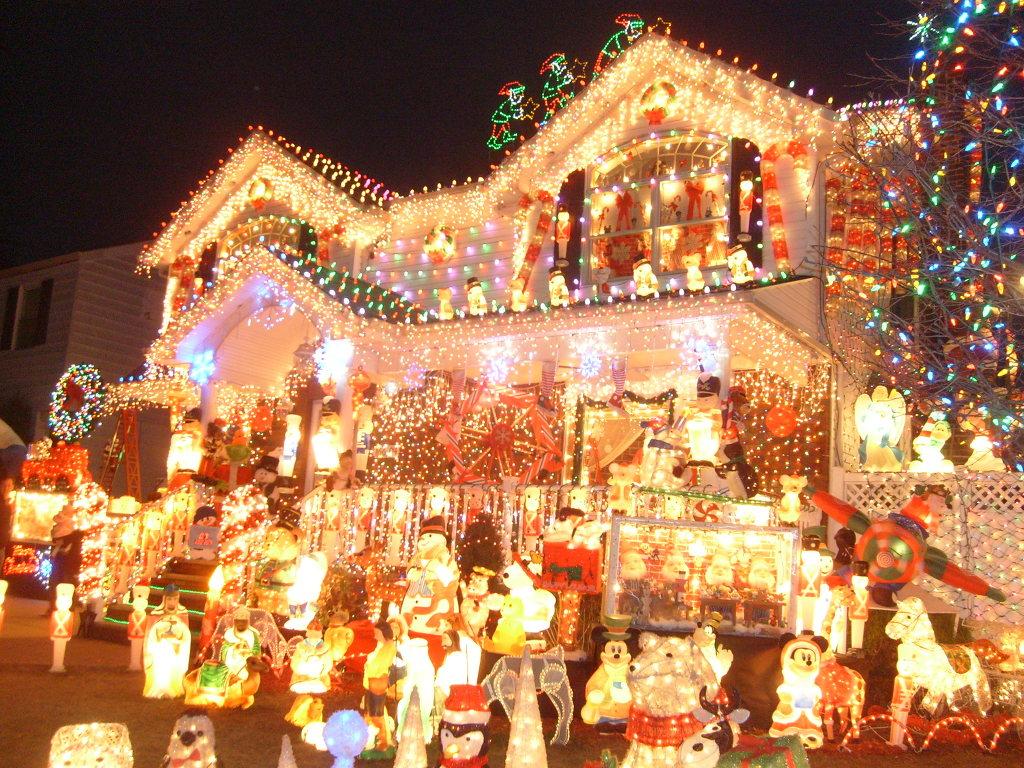 동화속의집 산타하우스 와잇스톤 2010 -세계제일 크리스마스장식 /안치용