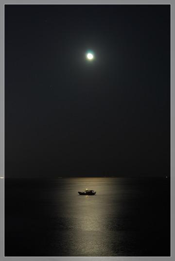 달빛_바다_평화