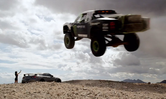 [MOVIE] GT-R을 농락하는 850마력 트로피 트럭