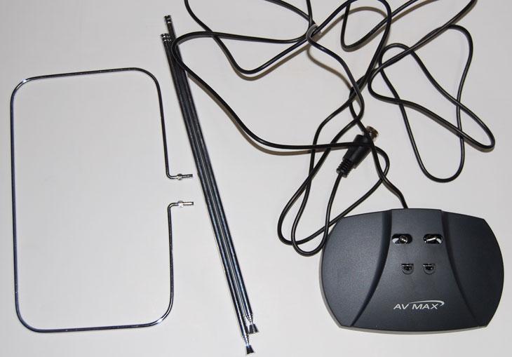 디비코 퓨전 HDTV7 USB HOME, 스펙트럼 LP410P, LP410P, HDTV, HDTV USB, USB, USB2.0, 수신기, 안테나, 리모컨, 리모콘, 사용기, 후기, IT, 리뷰, review, 디비코 FusionHDTV7 USB HOME은 컴퓨터와 아주 쉽게 연결해서 HDTV를 볼 수 있습니다. 연결도 상당히 편하고 다음에 컴퓨터를 업그레이드 하더라도 계속 사용이 가능 하네요. 구매 할 때 저렴한 안테나를 하나 선택했지만 저는 스펙트럼 LP410P 안테나를 쓰고 있습니다. 이유는 실내에 안테나를 두니 저렴한 안테나는 수신율이 너무 떨어지네요. 결국 돈을 더 써서 안테나를 바꿨습니다. 물론 안테나 자작 하셔서 쓰시는 분들도 있죠. 처음에는 DMB 방송을 컴퓨터로 봤었는데 디비코 FusionHDTV7 USB HOME를 쓰고 난 뒤 원래 TV가 이렇게 화질이 좋았나 라는 생각이 들정도로 너무 깨끗하게 나오더군요. 물론 HDTV로 뜨는 화면은 그렇습니다. 화질 낮게 나온다고 쳐도 DMB보다는 훨씬 잘 나오네요. 물론 HDTV는 지역마다 수신이 안되는곳도 있으니 구매전에 미리 확인해봐야 합니다.