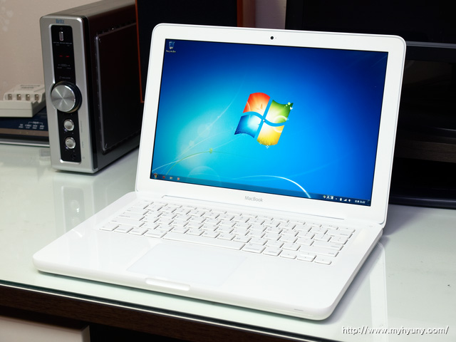 Windows 7을 돌리는 MacBook