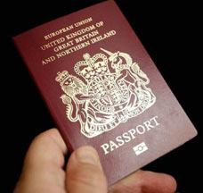 여권, 비자는 필수