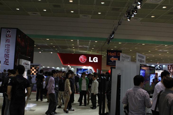 WIS, 월드 아이티 쇼, World IT Show, LG, 3D, 3DTV, 3D노트북, 노트북, 노트북 3D, 옵티머스3D, 3D옵티머스, 옵티머스, IT, 제품, 리뷰, 사용기