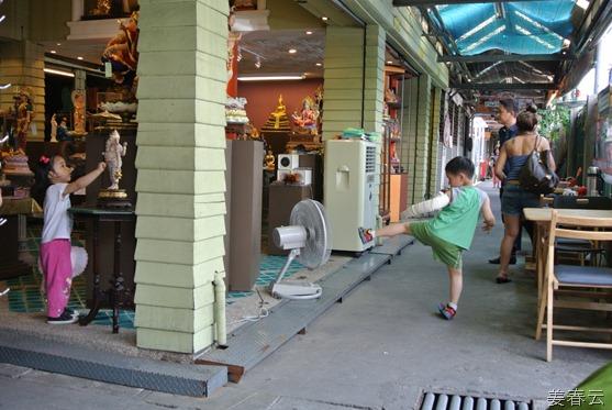 2012-05-04-14h43m49 강준휘,강재인,문선미,강춘운_태국여행-평일에 방문한 태국 방콕의 짜뚜짝 주말 시장(Chatuchak Weekend Market)은 평일에도 볼거리가 가득