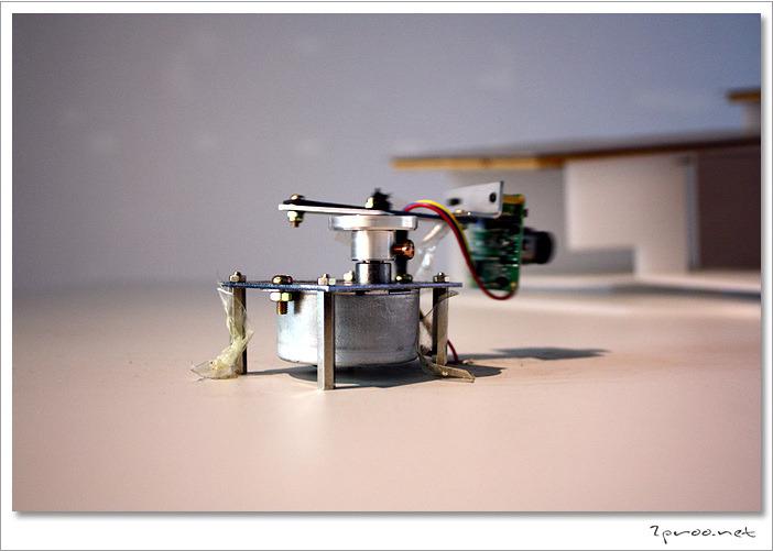 작품에 사용돼는 초소형 회전카메라