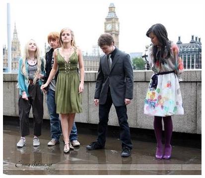 엠마 왓슨, 엠마 왓슨 노출, 엠마 왓슨 다니엘 레드클리프, 엠마 왓슨 사진, 엠마 왓슨 치마, 지하철 쩍벌녀, 지하철 쩍벌남, 쩍벌남, 쩍벌녀, 지하철, emma watson