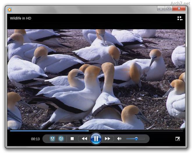 이제부터는 동영상을 열면, 하단의 재생 컨트롤이 항상 보이게 됩니다.