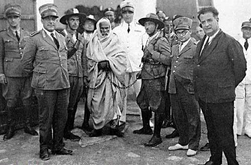 이탈리아군에 체포된 오마르 무크타르(Omar Mukhtar)의 모습