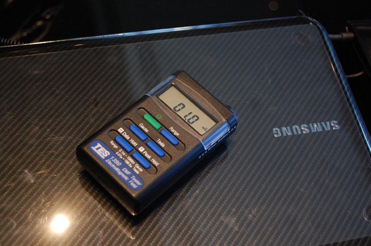 1.3KG, 13인치, 9시리즈 노트북, CES 2011, i5-2537M, It, macbook, macbook air, samsung, 노트pc, 두깨, 리뷰, 맥북, 맥북 에어, 맥북에어, 무게, 사용기, 삼성전자, 센스, 슬라이딩 PC, 슬림PC, 얇기, 프리뷰, 전자기파, NT-900X3A-A51, 2537M, HD Graphics 3000, 윈도우, SAMSUNG, SENS, 가격, 9시리즈 가격