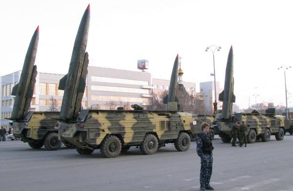 사진: 북한은 이러한 이동식 핵탄두 발사대를 다량 보유한 것으로 알려져 있다. [중성자탄 위력과 코발트탄, 수소폭탄 등의 핵폭탄 원리와 차이]