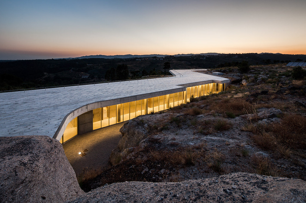 *와인너리 자연과 동화되다 [ Carvalho Araújo, Arquitectura e Design ] De Lemos