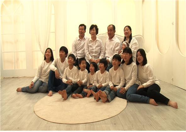 인간극장 상주 10남매 이야기 가족 사진