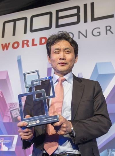 SKT, LTE-A 세계 최초 상용화! 2배 빠른 LTE-A, 갤럭시S4 LTE-A 출시