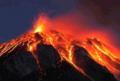 화산 용암 분출