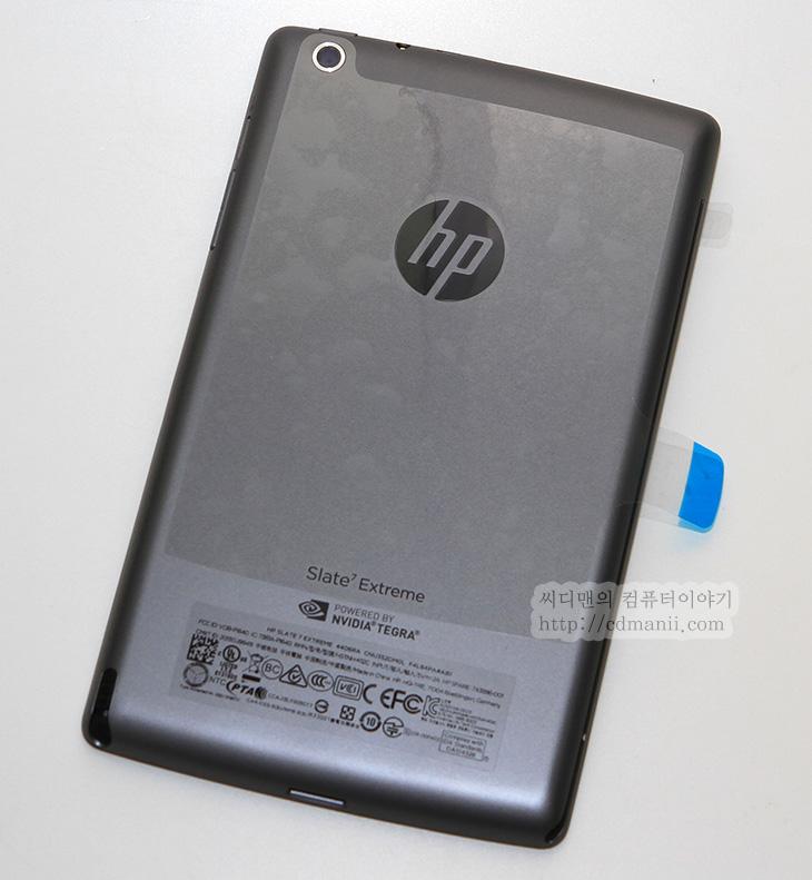 HP Slate 7 Extreme 디자인, 스펙, 디자인, HP 슬레이트 7 익스트림, 슬레이트7 익스트림, 슬레이트7, IT, 모바일, HP, HP Slate 7 Extreme 디자인 및 스펙을 알아보려고 합니다. 슬레이트7 익스트림은 NVIDIA Tegra4 Quad-Core A15 1.8Ghz 프로세서를 사용하며 메인 메모리는 1GB입니다. 내장 메모리는 16GB 디스플레이는 1280 x 800 해상도의 7인치 LCD 입니다. 배터리 용량은 4100mAh 입니다.  HP Slate 7 Extreme 디자인은 깔끔하게 나온 편 입니다. 이전에 윈도우8 태블릿을 써볼 때에도 HP도 디자인은 상당히 잘 한다는 느낌을 받았는데 이 제품도 그렇습니다. 익스트림이라는 이름에 맞게 조금은 무거운 색상을 썼습니다. 너무 가볍고 저렴해보이지 않게 하려고 한듯한데요. 무게도 약간은 나가는 편 입니다. 프로세서의 도움으로 게이밍에서는 상당한 성능을 보여줄 듯한데요. 앞으로 이와 관련된 글을 많이 적어보도록 하겠습니다.