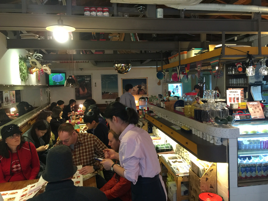chili tomato burger steak, gorgonzola cream burger steak, tex max chili cream omlet, [이태원 맛집] 고블앤고 브런치, 가게, 가격, 가성비, 각도, 갈릭 크림 소스, 고기, 고기 부페, 고기 뷔페, 고르곤졸라, 기대, 눈으로 먹는 음식, 도마뱀, 도매밤, 메뉴, 메뉴판, 멕시칸식 오믈렛, 모자렐라, 미국 느낌, 방황, 보조, 브런치 맛집, 비싸지만 맛있군., 비쥬얼, 비프, 비프 칠리, 사업 아이템, 새우, 서울 투어, 소개팅, 소고기 패티, 소비 패턴, 소스, 쉐어, 스테이크, 아메리카노, 아쉬움, 아이템, 애인, 야채, 어머니, 여자, 오믈렛, 외국인, 요리, 요리 수준, 음료, 음미, 이태원, 이태원 맛집, 이태원 브런치, 인테리어, 접근성, 짜증, 치즈, 칭얼, 콧방귀, 퀄리티, 크림소스, 크림치즈, 토마토, 토마토 소스, 특별히 사랑스러운 날, 풍미, 한국인, 햄버거 스테이크, 허브, 형, 후기, 힌트