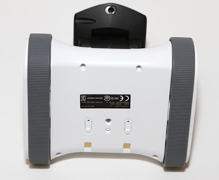 강아지 CCTV ,앱봇 라일리, 움직이는, CCTV, 집안을 감시,IT,IT 제품리뷰,집안을 감시하는 움직이는 CCTV를 소개 합니다. 추석 명절 때 선물줘도 좋을 제품인데요. 강아지 CCTV 앱봇 라일리 움직이는 CCTV로 집안을 감시를 해 봤는데요. 바램시스템에서 만든 국내 제품 입니다. 한국에서 만든 제품이여서 그런지 완성도도 상당히 높고 기능이 상당히 우수 했는데요. 어떤 장점이 있는지 적어보면. 강아지 CCTV 앱봇 라일리 움직이는 CCTV로 집안을 구석구석 모두 감시할 수 있습니다.