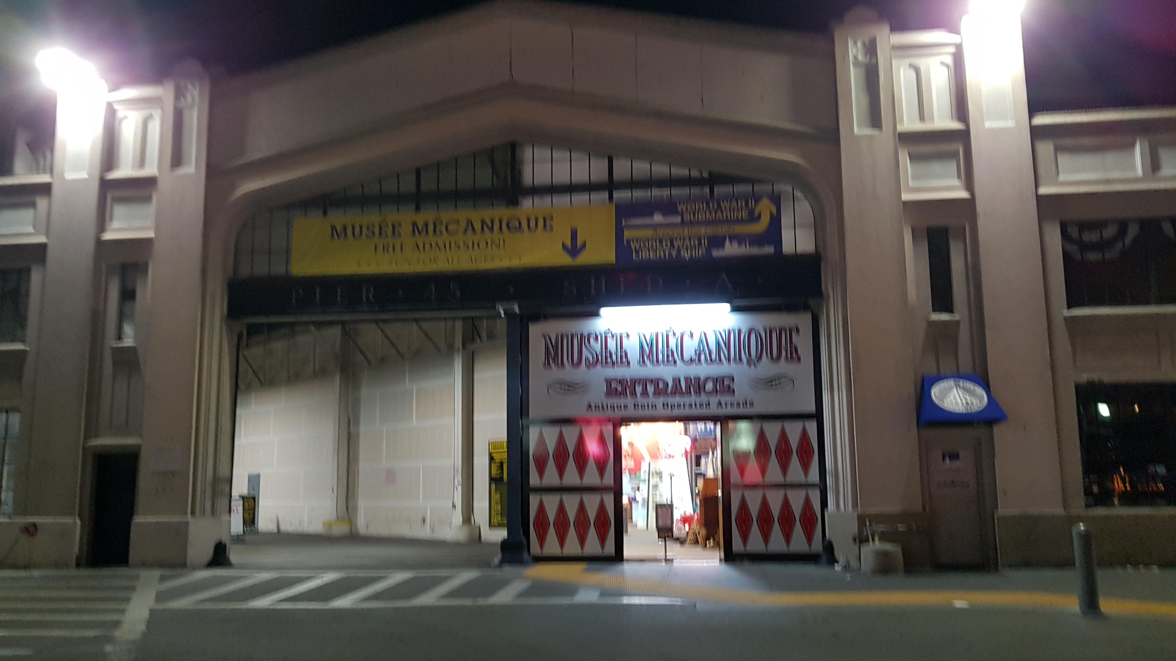Boudin, cable car, Clam Chowder, conference call, Fisherman's wharp, incall, Musee mechanique, Pier, Pier 39, see lion, SF, wstern style, [샌프란시스코] Fisherman's Wharp 산책, 가시거리, 관광지, 길거리 연주가, 길거리 음식, 난항, 날씨, 남의 시선, 노츠북, 대중교통 타임테이블, 대합 스프, 대합 크림 스프, 덜컹거림, 레스토랑, 모닥불, 무색, 바다 사자, 바다사자, 보우딘, 비몽사몽, 빠네, 산책, 산책 코스, 상점, 상징적 조형물, 샌프란, 샌프란시스코, 소스코드, 시간표, 시차적은, 식사, 신 맛, 심장, 야경, 야생, 어부들의 부둣가, 오락실, 외출, 위화감, 유니언 스퀘어, 음식점, 자유분방함, 자유이용권, 조개 스프, 조개 크림 스프, 진동, 첫 번째 밤, 캐이블 카 가격, 코스, 코인 기계 오락기, 코인 오락기, 크리스마스, 크리스마스 트리, 크림 스프, 클램 차우더, 타인의 시선, 트리, 편도, 피셔맨스 워프, 하트, 해산물 요리