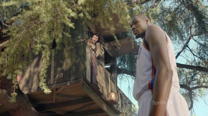 NBA스타 케빈 듀란트와 가족이 될 수 있을까? - 이동통신사 스프린트(Sprint)의 TV광고 '케빈 듀란트(Kevin Durant)'편 [한글자막]