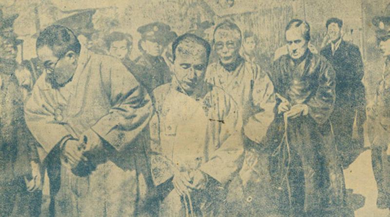 사진: 1948년 반민특위에서 체포되는 모습. 하지만 이승만과 우익의 공작으로 무죄로 풀려나고 말았다. [영화 암살 실존인물 2 - 염동진, 노덕술]