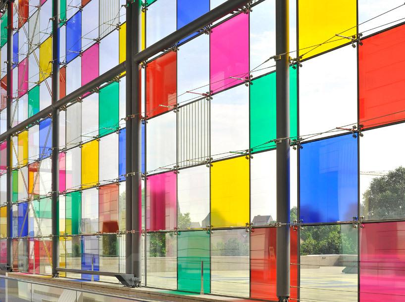*컬러패턴 커튼월 파사드 daniel buren adds tinted squares to colorize MAMCS' glazed facade
