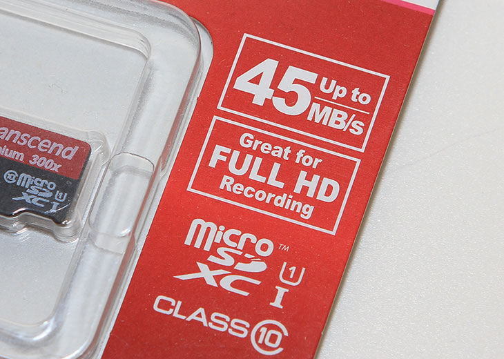 Transcend MicroSDXC 64GB 성능, Transcend MicroSDXC, MicroSDXC, UHS-I, 트랜센드, 트랜샌드, Transcend, 300x, IT, 미디어, 성능, 벤치마크,Transcend MicroSDXC 64GB 성능 후기를 올려봅니다. 벤치마크를 해봤는데 읽기 쓰기 속도 모두 다른 MicroSD에 비해서 비슷하거나 좀 더 잘 나오는 수준 이었습니다. 특히 읽기 성능은 상당히 괜찮았습니다. 쓰기 속도도  20MB/sec 정도가 나와서 괜찮았습니다. Transcend MicroSDXC 64GB는 MicroSD 이지만 SD 컨버터를 이용해서 카메라나 캠코더에서도 사용이 가능 합니다. 20MB/sec의 쓰기 성능을 가지고 있으므로 충분히 사용될 수 있습니다. 갤럭시S5에 사용하면서 스마트폰에서의 사용성도 확인해봤습니다. 성능적인 부분은 읽기 쓰기 속도 모두 충분했습니다. 오히려 갤럭시S5가 모든 성능을 다 쓰지 못하더군요. 최근에는 64GB의 메모리도 가격이 저렴해져서 많이 사용되고 있습니다. 그럼 Transcend MicroSDXC 64GB 성능에 대해서 살펴보도록 합니다.