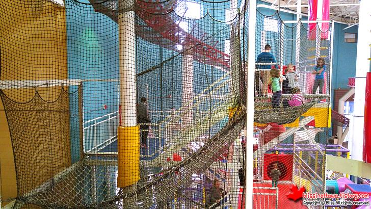 북미에서 2번째로 큰 캐나다 퀘벡 실내 놀이공원 Mega Parc