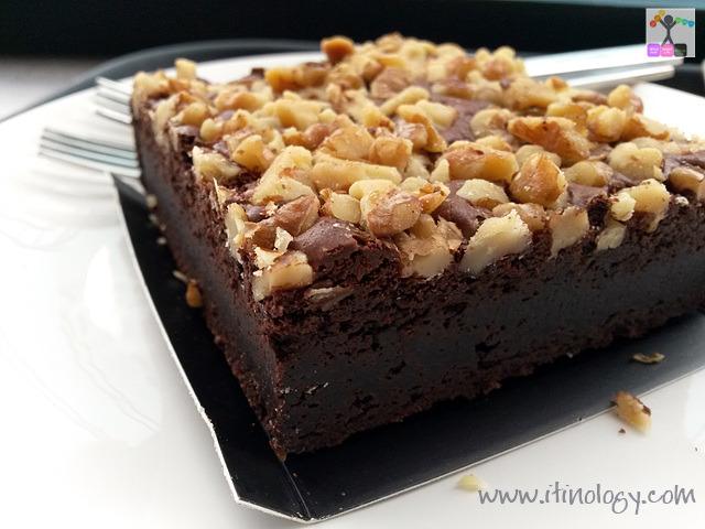 starbucks Chocolate brownie
